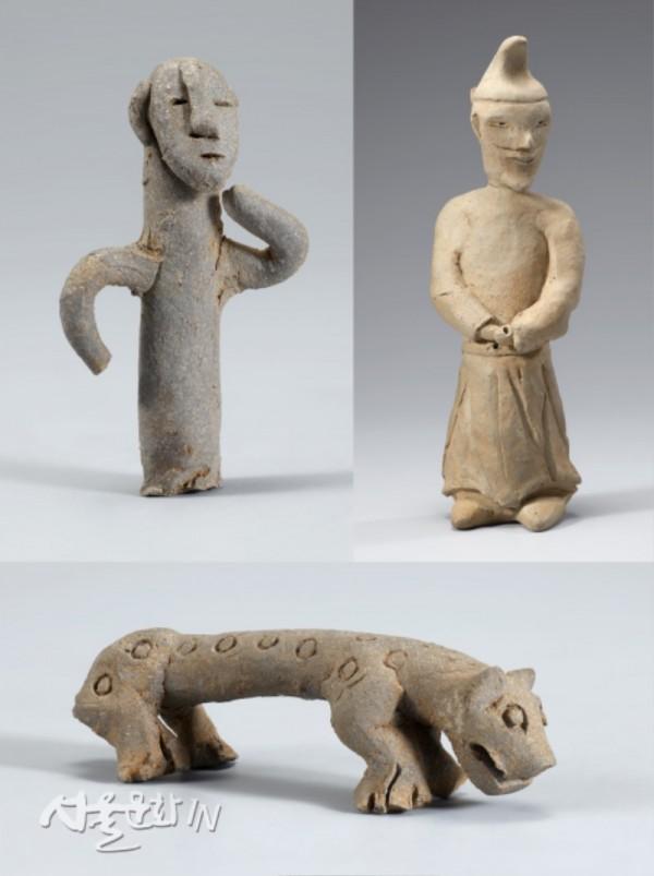 좌. 사람 모양 토우. 5세기, 우. 경주 황성동 돌방무덤 출토 남자 토용. 7세기, 아래. 호랑이 모양 토우. 5세기-1.jpg