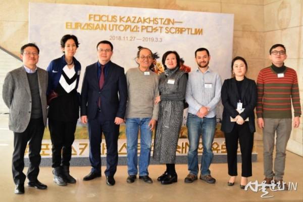 인물2 카자흐스탄 국립박물관 부관장, 동시대미술파트장, 카자흐스탄 예술가, 수원시립아이파그미술관장.jpg