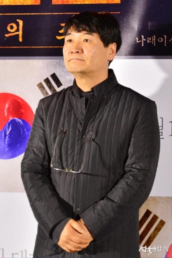 윤학렬 감독.jpg
