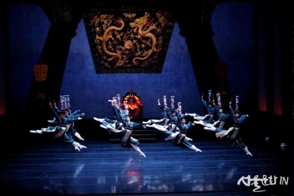 춘향 4 Photo by Kyoungjin Kim ⓒ Universal Ballet.JPG