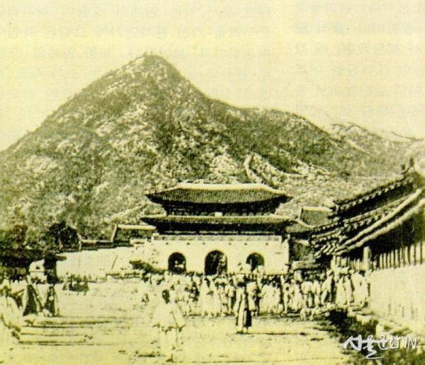1. 1892~1894년 광화문과 의정부 앞 사진.JPG