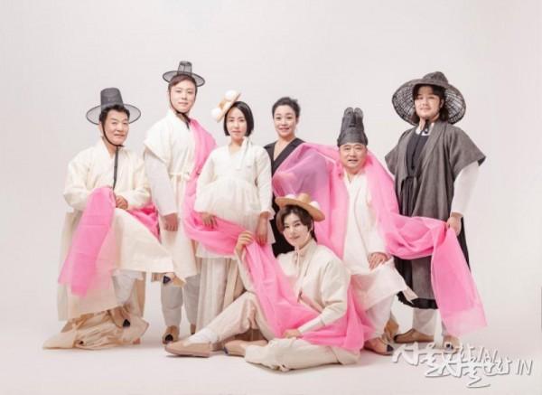 창극 '귀토' 콘셉트 사진(왼쪽부터 단장, 주꾸미, 토녀, 코러스장, 토자, 용왕, 자라) -1.jpg
