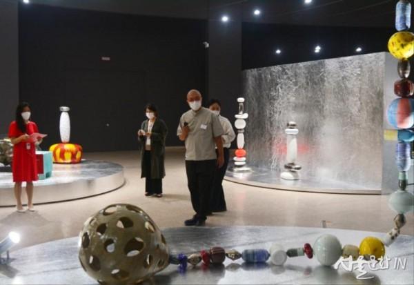 이헌정, 수비니어, 2016, 도자기.jpg