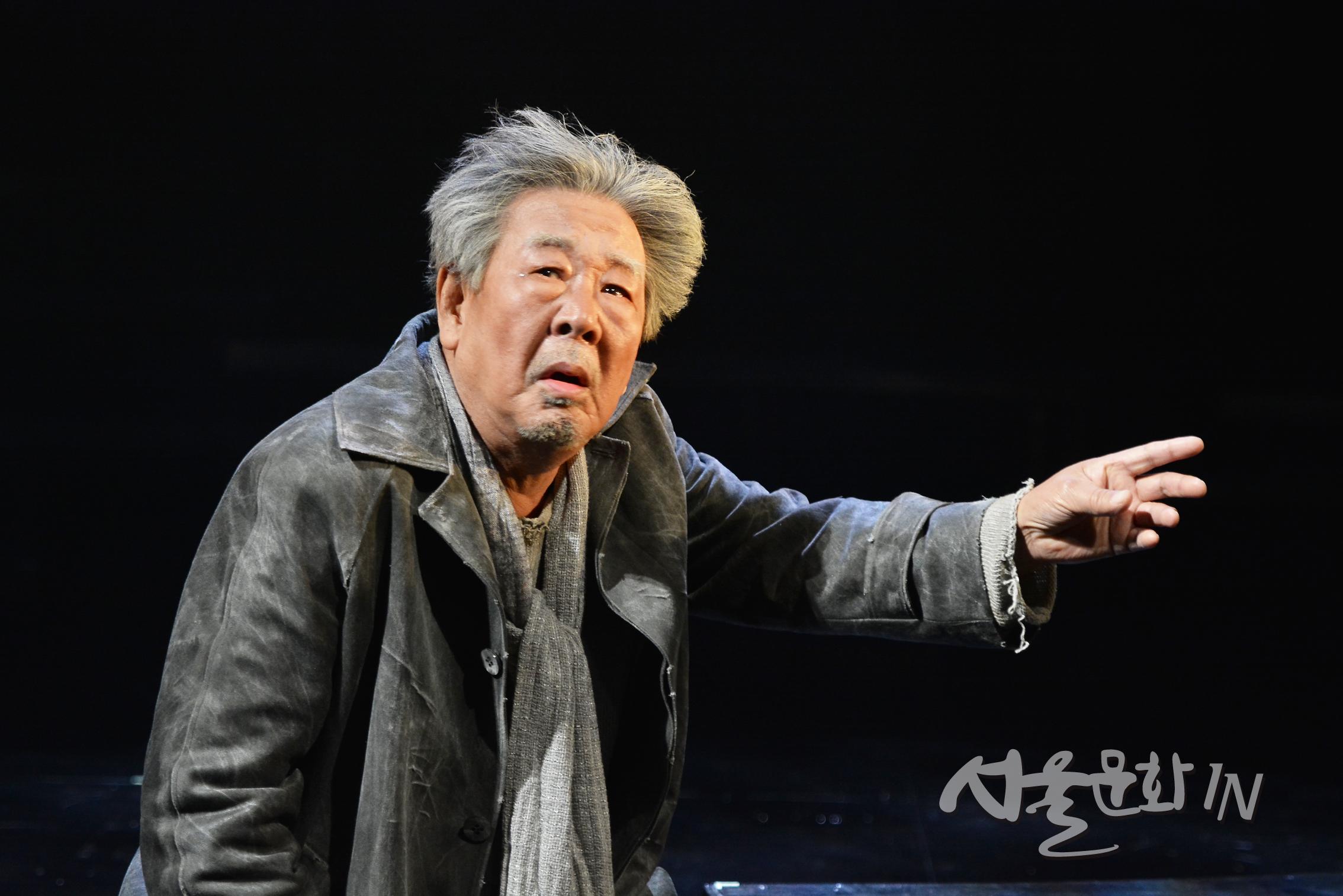 배우 최불암, 실의에 빠진 젊은이를 위로하기 위해 25년 만에 무대에 서다.