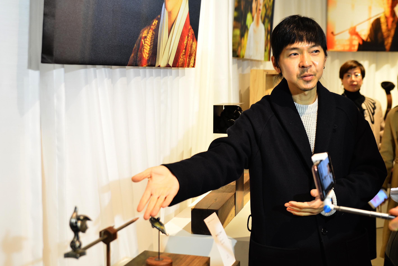 [전시] 이병헌이 '광해'로 현빈이 '정조'가 되는 과정을 만나다.
